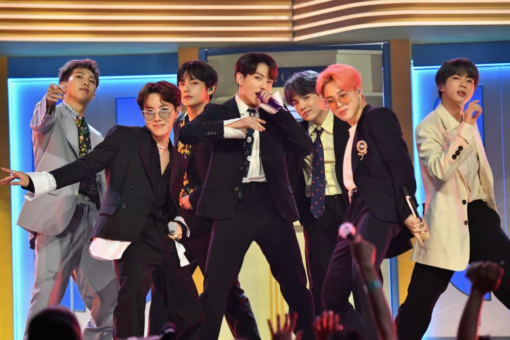 bts-performing-on-stage